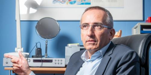 Luis Godinho, président du syndicat national des audioprothésistes, l'UNSAF