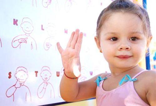 l'appareillage auditif chez l'enfant présentant une surdité handicapante