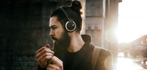 musique amplifiée et risques de perte auditif chez les jeunes : presbyacousie, un enjeu de santé majeur