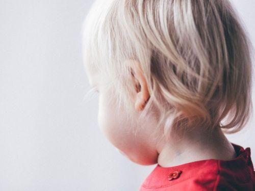 Perte de l'audition, otite sero muqueuse chez l'enfant